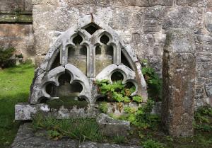 Ruin_Gulval_churchyardsmall